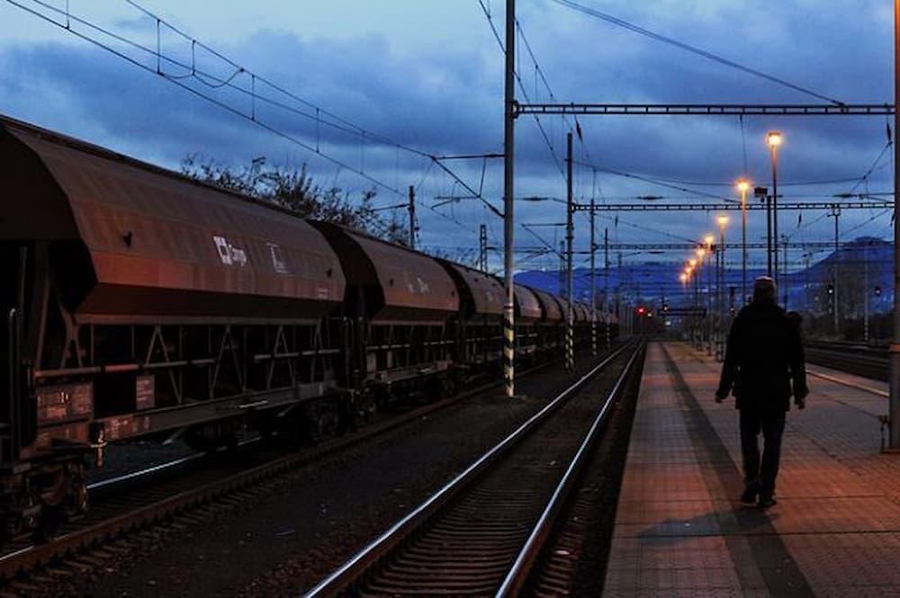 verso-ferrara-giorgio-bassani-treno