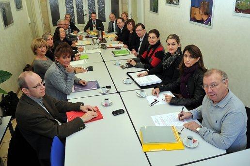 les-partenaires-du-service-public-pour-l-emploi-local-reunis_382534_516x343