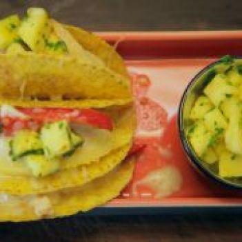 Tacos de frango com ananás