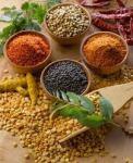 Especiaria Odor e sabor a especiarias (pimenta, cravo, cominho, etc.). O carvalho dá aos vinhos aromas a especiarias e baunilha.