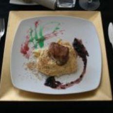 Solomillo de porco com hummus e molho de amoras silvestres