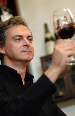 """Aníbal Coutinho, Presidente do júri do concurso, congratulou o trabalho dos produtores da região, referindo que """"o VII Concurso de Vinhos do Algarve volta a comprovar que os vinhos algarvios têm muita qualidade."""