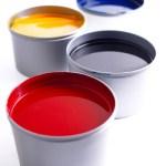Tinta Odor que recorda o da tinta utilizada para escrever ou o das tintas de impressão.