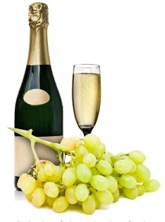 O vinho espumante natural é um vinho cujas características e métodos de fabrico foram importados de França. Dos vinhos espumantes naturais, faz parte a mais famosa de todas as bebidas, o Champagne, cujo nome, é o mesmo da sua região de origem, a leste de Paris. No entanto, em Portugal temos bons vinhos espumantes naturais, nas variantes branco, tinto e rosé.