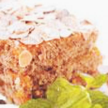 bolo-de-amendoas-e-ovos-moles
