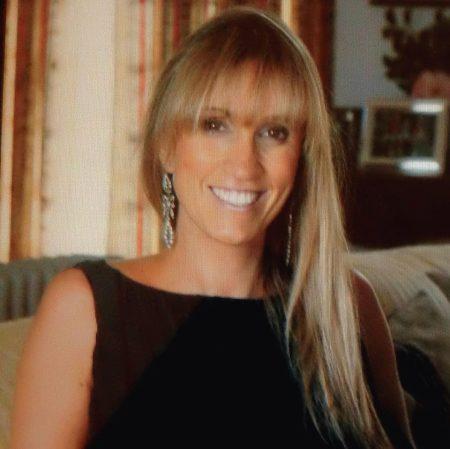 Outra pessoa a quem tenho prestar a minha homenagem é Rosarinho Castel-Branco Sommer. Uma mulher com grande dinamismo e que fez crescer este projecto, tanto do ponto de vista comercial, como pela sua excelente capacidade comunicacional junto do grande público, principalmente em redes sociais de internet, como por exemplo o Facebook.