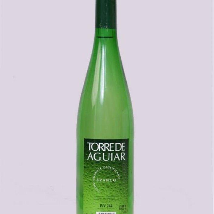 Semi_sparkling_wine_Torre_de_Aguiar