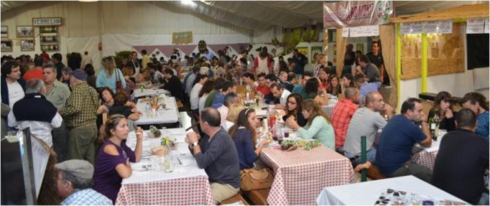A-gastronomia-é-um-dos-principais-pontos-de-atração-de-visitantes-à-Festa-das-Adiafas