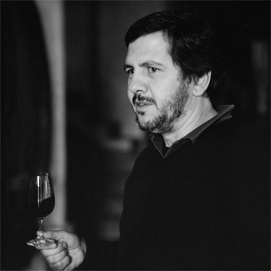 Vinificação diferente, estilos de vinhos diferentes, grande intensidade, e como me disse o enólogo, Sr. António Marques da Cruz, tudo leva o seu tempo e é assim que pretende que continue a ser.