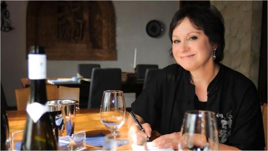 Madeline Triffon dirigiu programas e eventos do vinho na região de Detroit ao longo de mais de 30 anos e foi a segunda mulher a passar no exame Master Sommelier.
