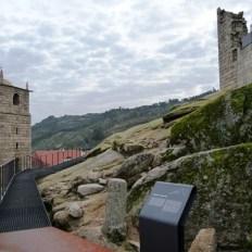 castelo-novo-muralha-e-entrada-este-do-castelo1_thumb2