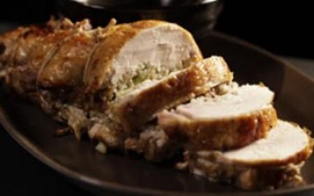 frango-recheado-com-arroz-castanhas-e-alho