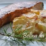 Postas de salmão em molho teriyaki com batatas gratinadas