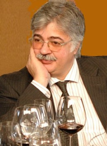 Dr Luis Gouveia