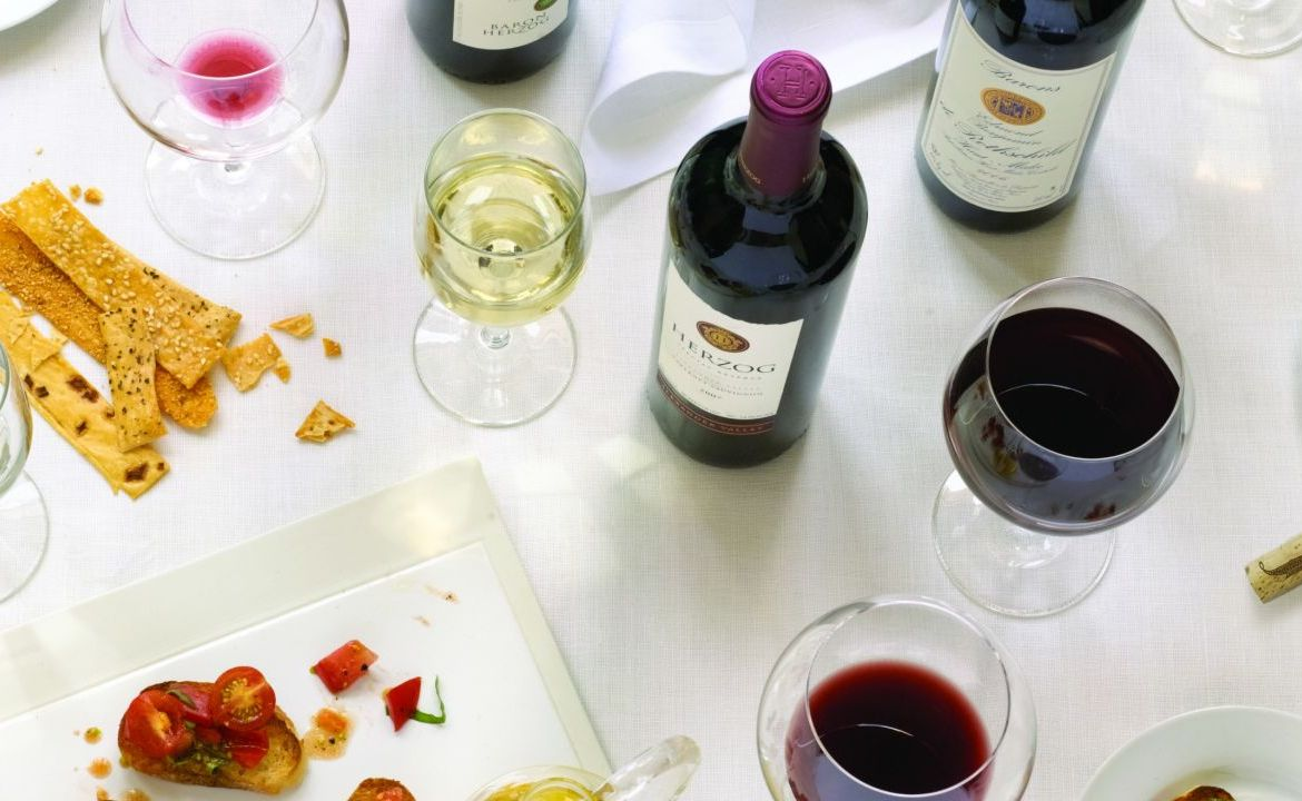kosher-wine-on-tablejpg
