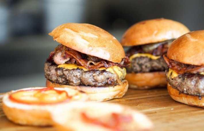 burger_drink_wine_pairings
