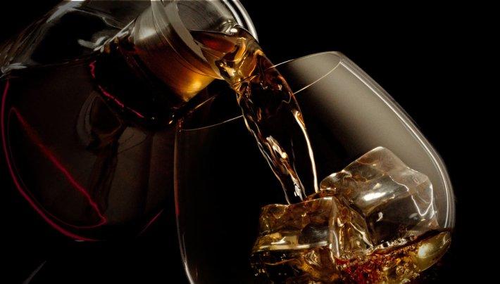 Belo cálice de vinho licoroso do Pico