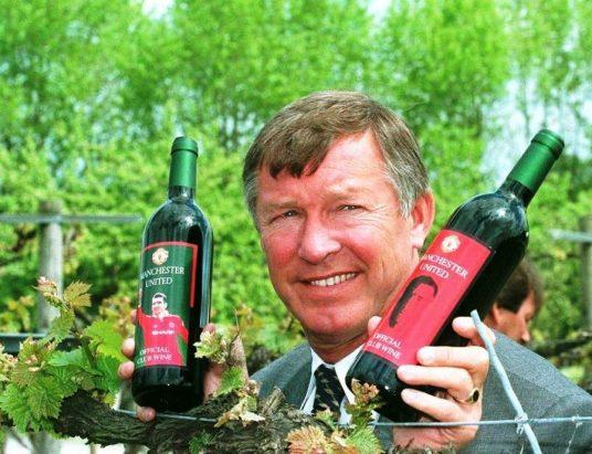 Sir Alex Ferguson um colecionador de títulos e de vinhos