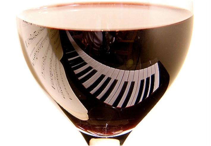 Relação harmoniosa entre vinhos e música clássica 6