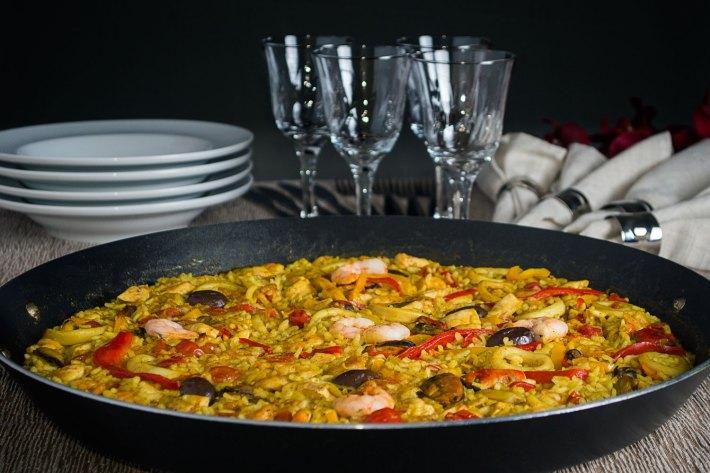 A típica e multifacetada Paella Espanhola 8