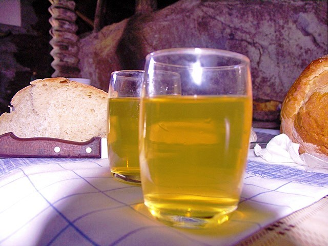 Os tons amarelo dourados do vinho Callum