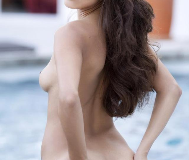 Playboy Playmate Of The Year Raquel Pomplun