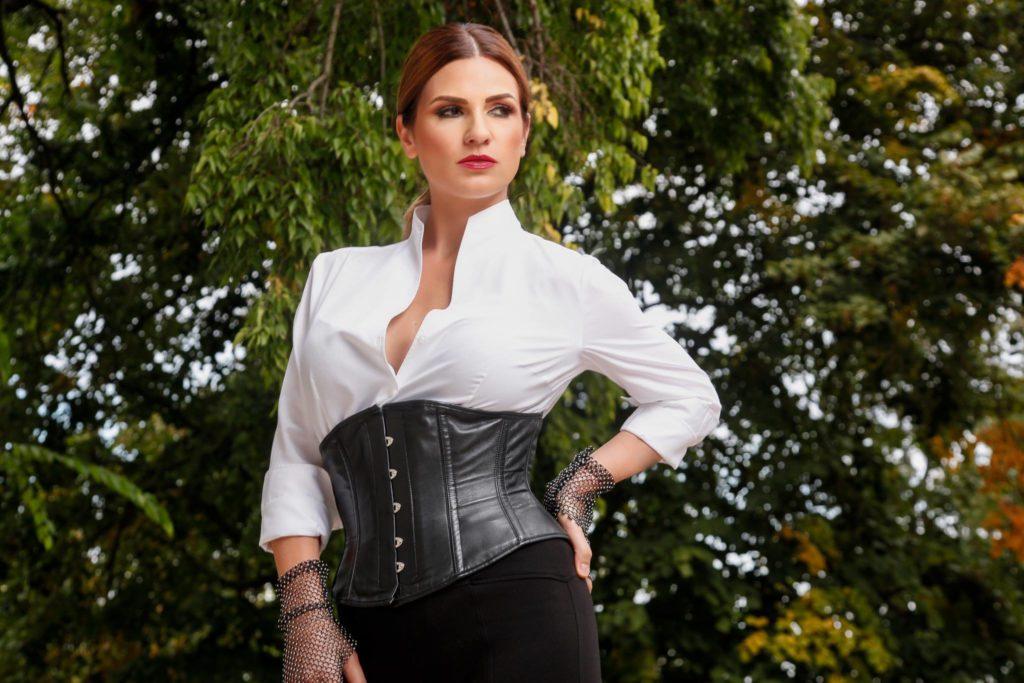 Ellie White (3)