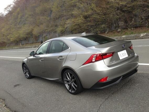 New 2014 Lexus IS Color Titanium Metallic Sonic