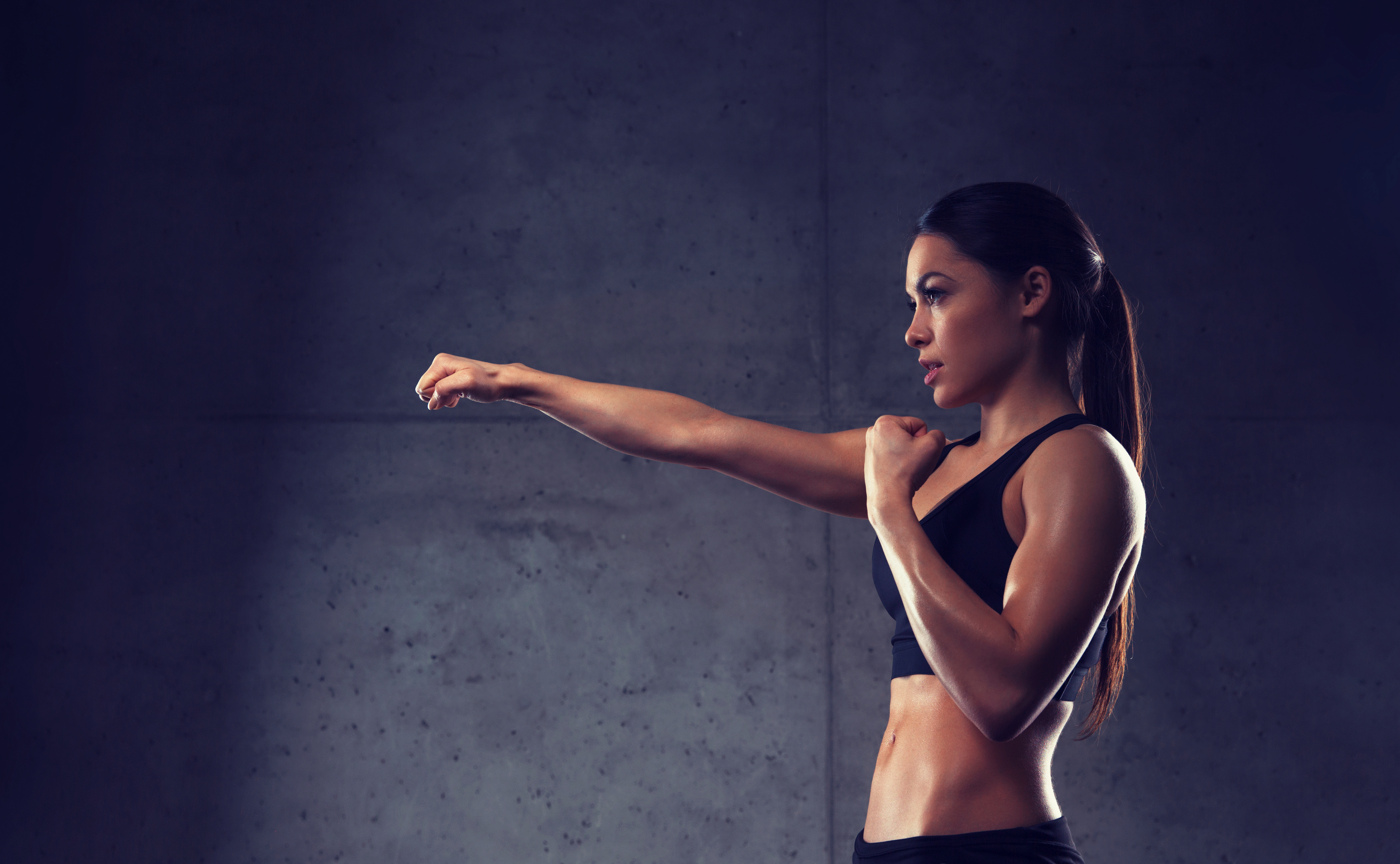woman-boxing-in-gym