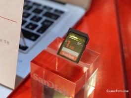 Cardul SanDisk SDXC 1TB