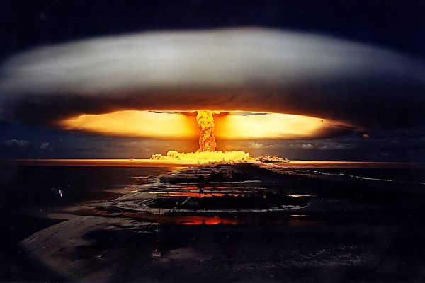 nuclear-bomb-explosion2