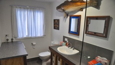 At Clyde River Cottage, we even have fish in the bathroom.