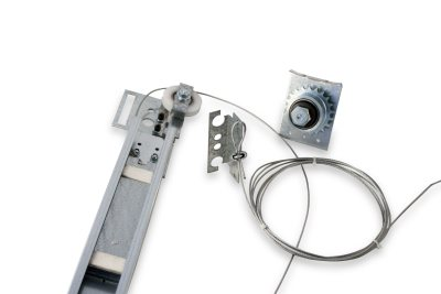 Auto close and anti-close device for SABIEM, BASSETTI or FIAM chain doors