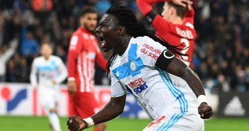 Olympique de Marseille's French forward Bafetimbi Gomis celebrates after scoring a goal during the French L1 football match Olympique of Marseille (OM) versus Nancy at the Velodrome stadium in Marseille on December 4, 2016.    / AFP PHOTO / BORIS HORVAT