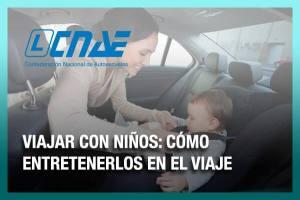 Viajar con niños en vacaciones: cómo entretenerlos en el coche