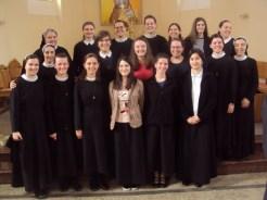 Kandidatice-postulantice-i-novakonje-sa-svojim-odgajateljicama-u-našoj-župnoj-crkvi