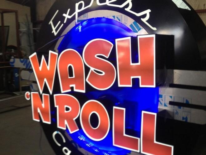 Wash-n-Roll-Sign