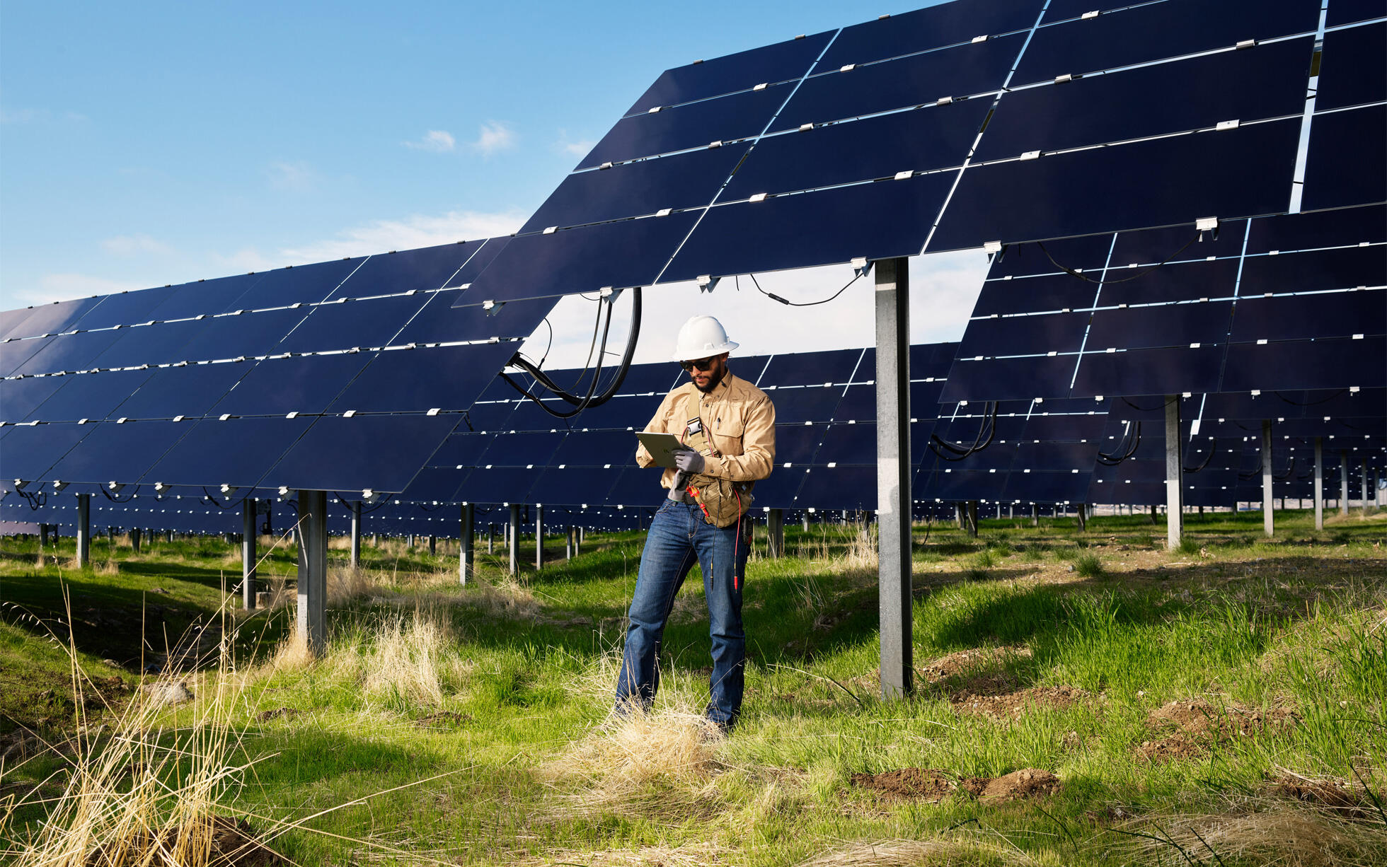 apple-announces-new-climate-efforts-with-over-110-suppliers-transitioning-to-renewable-energy-team-member-near-solar