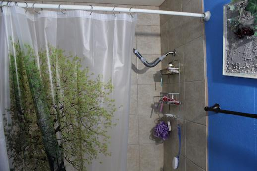 5 tips for cleaning your shower curtain