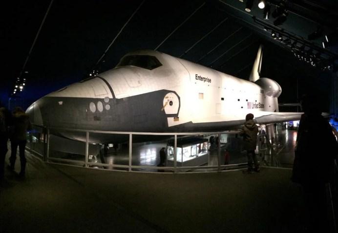 La navette spatiale Enterprise vous attend à bord de l'USS Intrepid