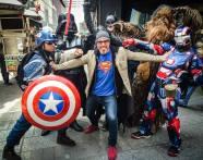 Chris Bonnefoy défie les super-héros de Times Square
