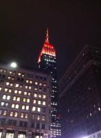 L'Empire State building tout en rouge. (Photo Isabelle Pierron Dalle)