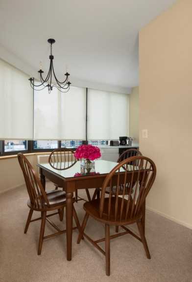 Superior One Bedroom Suite Dining Area