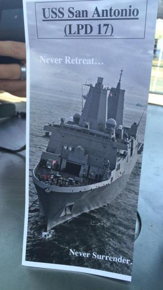 La devise de l'USS San Antonio. (Photo Nathalie)