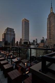 04-archer-hotel-new-york-spyglass-rooftop-bar-dusk-view-2