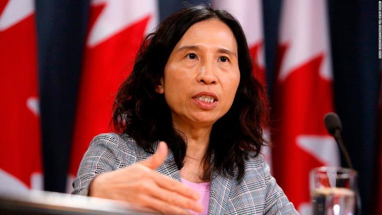 性行為の際もマスク着用を、カナダ公衆衛生局長が勧告