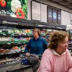 How Aldi A Brutally Efficient Grocery Chain Is Beating Walmart On Low Prices Cnn Com