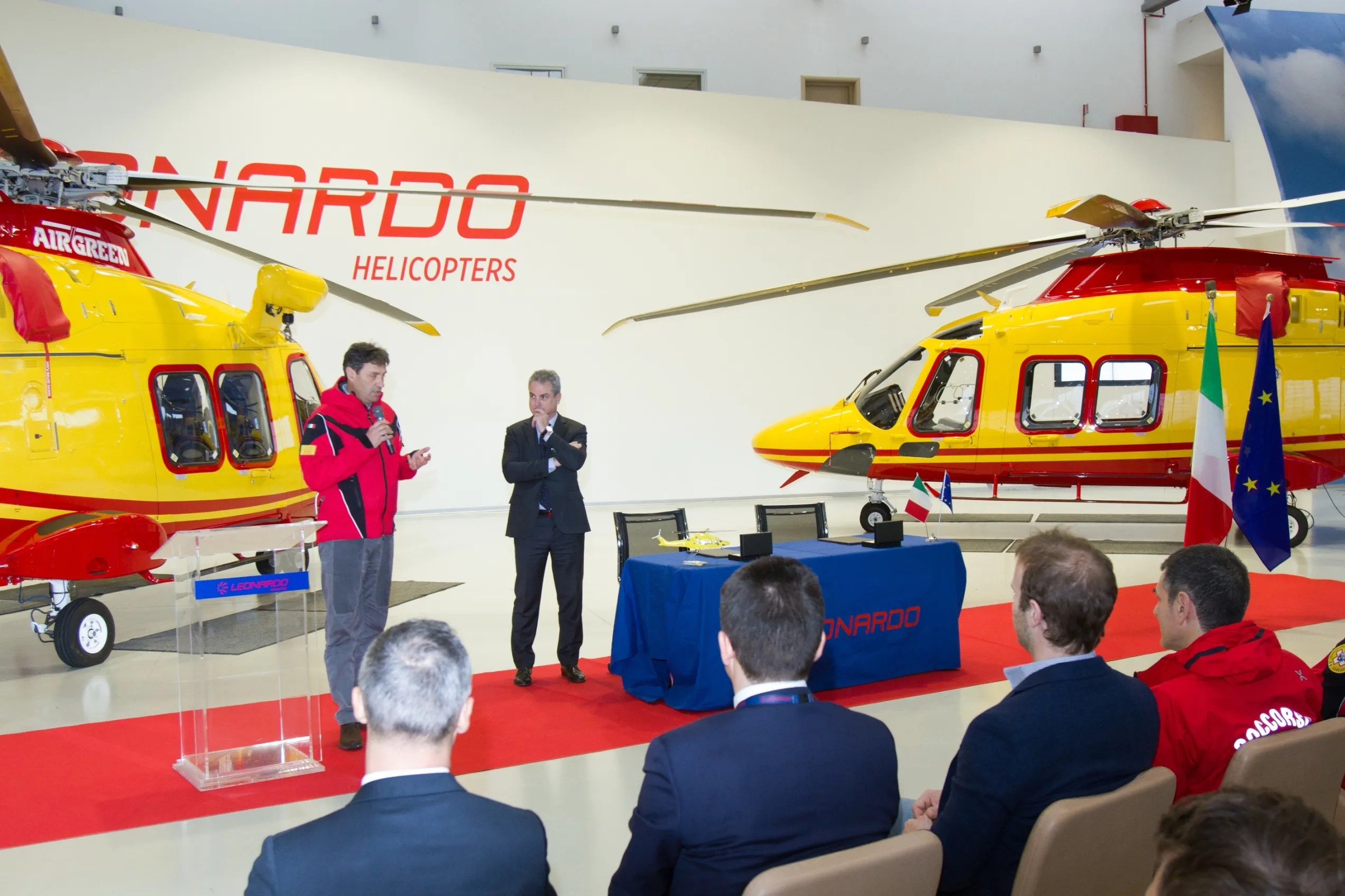 Elicottero Milano : Il nuovo elicottero aw 139 di leonardo e gli istruttori cnsas
