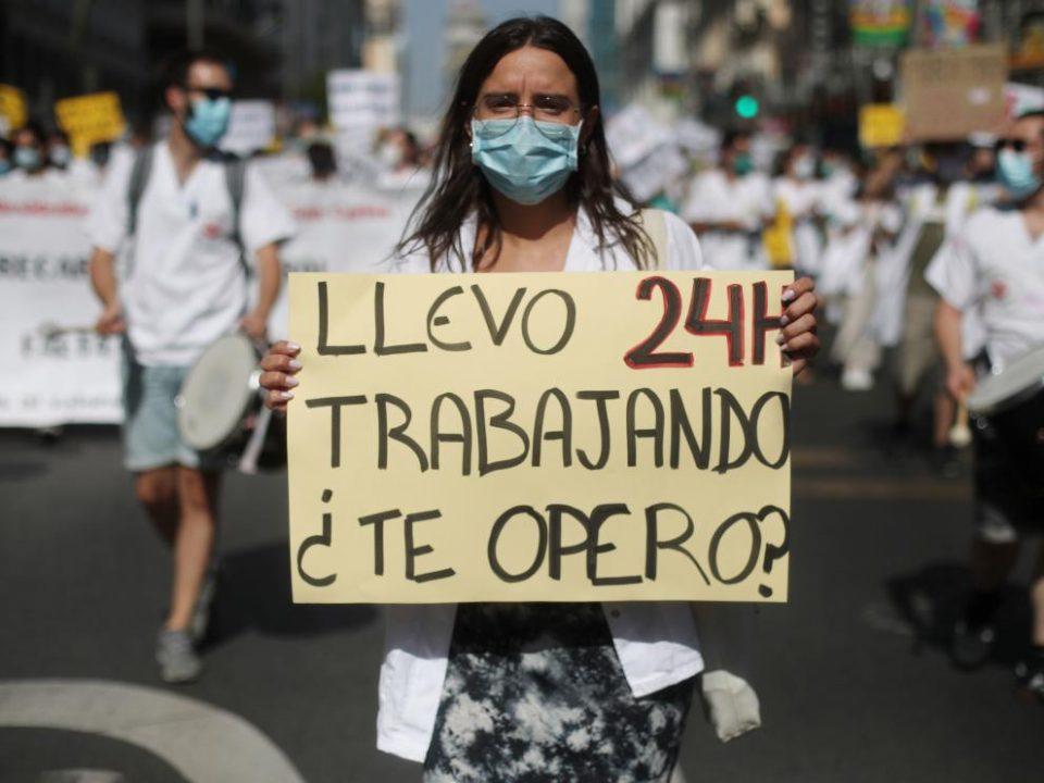 """Personal Sanitario:  de personas heroicas a ningunear derechos en CyL con el """"decretazo"""""""