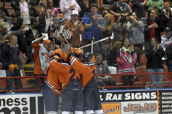 #13 Utica College hockey gets huge win over #2 ranked Oswego._-4307917685723870532